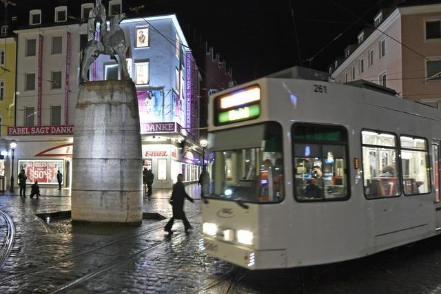 Schluss mit schummrig: Neue LED-Strahler für den Bertoldsbrunnen