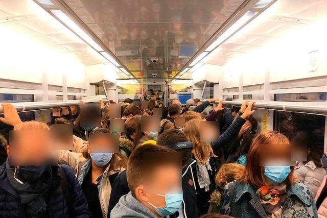 Wie gefährlich sind voll besetzte Busse und Bahnen in der Pandemie?
