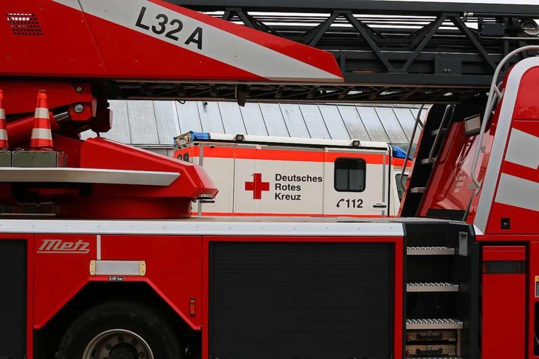 Die Lörracher Feuerwehr musste einen f...n Rettungswagen befreien (Symbolfoto).  | Foto: Katharina Bartsch
