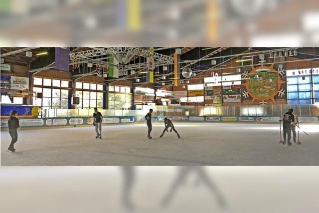 Eishalle und Schwimmbad öffnen