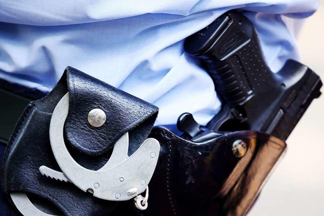 Bei dem Einsatz in Kehl wurde Gebrauch von der Schusswaffe gemacht.  | Foto: Oliver Berg (dpa)