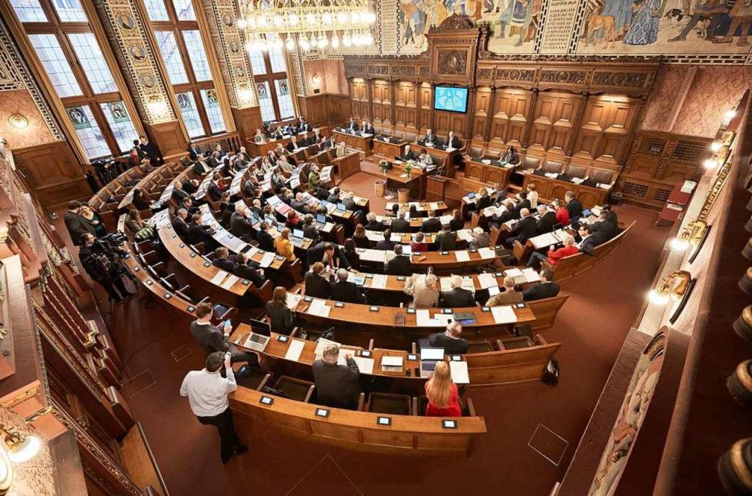 Blick in den Ratssaal: Das Basler Kantonsparlament hat hundert Mitglieder.  | Foto: www.bs.ch/bilddatenbank
