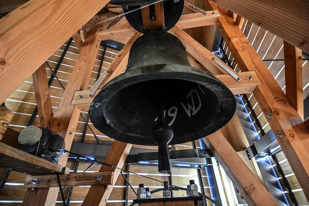 Nach mehr als 40 Jahren eine neue Heim... von St. Georg im neuen Glockenstuhl.   | Foto: Michael Eh