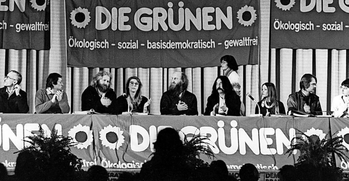 Die Grünen bei ihrer Gründung auf Bundesebene in Karlsruhe 1980  | Foto: dpa