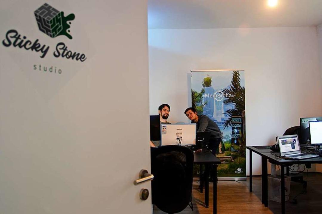 Philipp Degasper und Nikolai Bartsch, die Gründer des Sticky Stone Studios.  | Foto: RB - Sticky Stone Studio