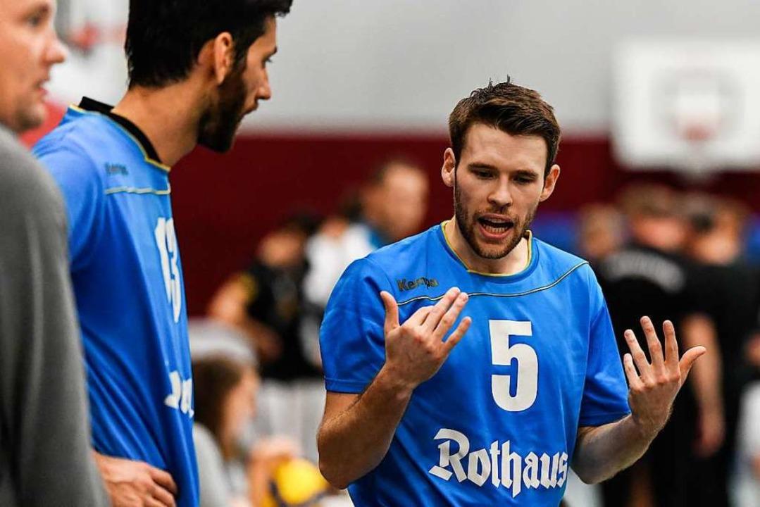 Zuspieler Marc Zimmerman (rechts) zeig...s für den USC Freiburg nicht zum Sieg.  | Foto: Patrick Seeger