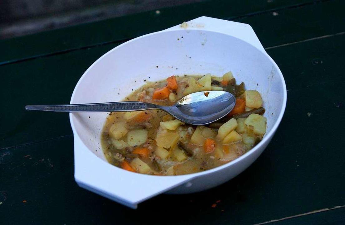 40 Liter wärmenden Eintopf hat der Gastronom gespendet.  | Foto: Z5313 Siewert Falko