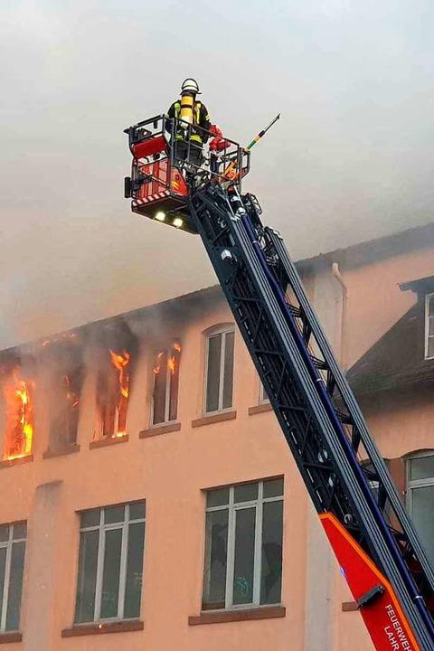 Die Feuerwehr im Einsatz  | Foto: Wolfgang Künstle