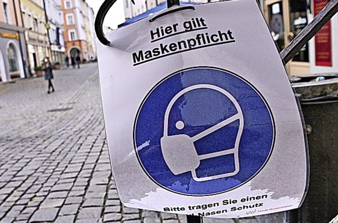 Verschärfte Maskenpflicht  | Foto: Peter Kneffel (dpa)