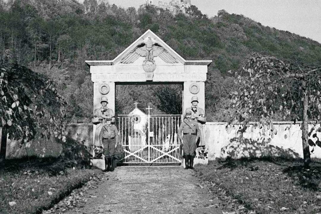 1933 errichtetes Denkmal für die Toten des Ersten Weltkriegs am Friedhof  | Foto: Stadtarchiv