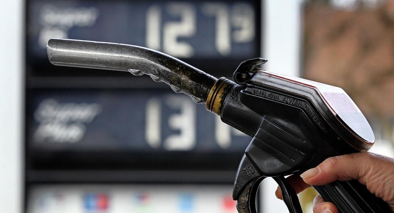 Um 6,8 Prozent haben die Energiepreise...ergleich zum Oktober 2019 nachgegeben.  | Foto: Karl-Josef Hildenbrand
