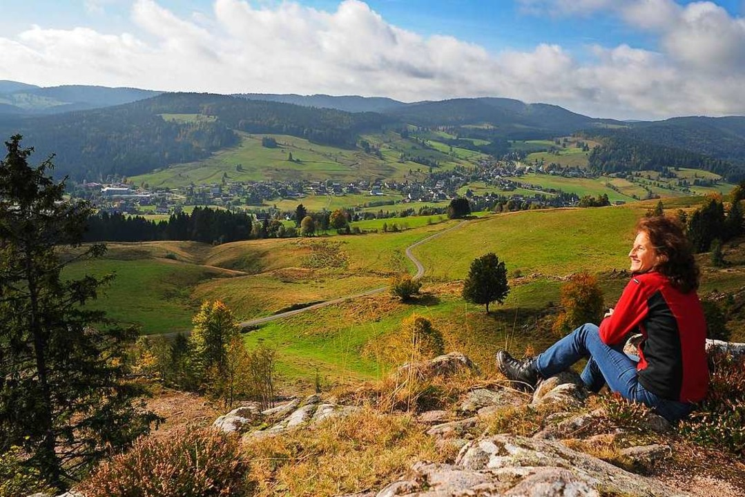 Rast in der Herbstsonne:  Auf dem Gipfel des 1349 Meter hohen Spießhorns  | Foto: Birgit-Cathrin Duval, Birgit-Cathrin Duval