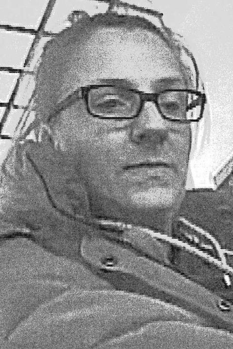 Tamara S. ist Brillenträgerin und träg...stens hinter dem Kopf zusammengefasst.    Foto: Polizei