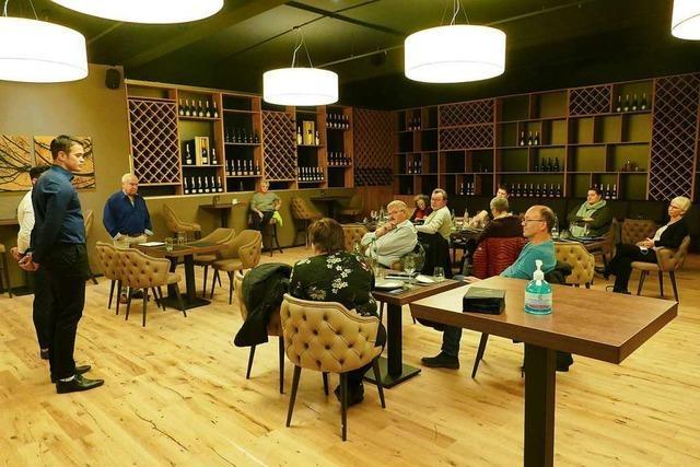 Betreiber klärt über die Champagner-Hütte in Haagen auf