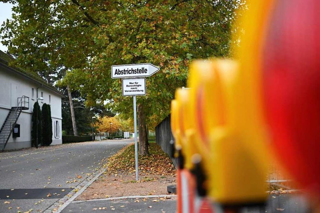 Für den Abstrich in Lörrach  muss man einen Termin machen.    Foto: Jonas Hirt