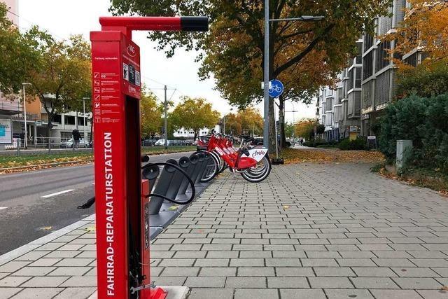 Die VAG hat sechs neue Fahrrad-Reparaturstationen aufgestellt