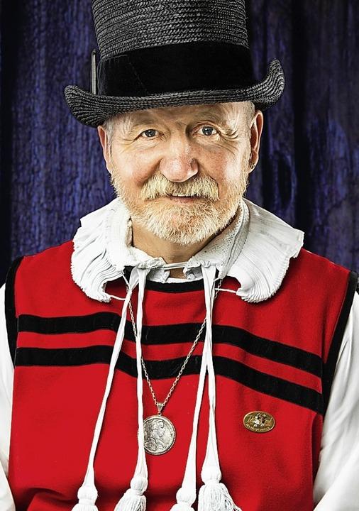 Georg Albiez trägt bei seinen Auftritten gerne Tracht.  | Foto: privat