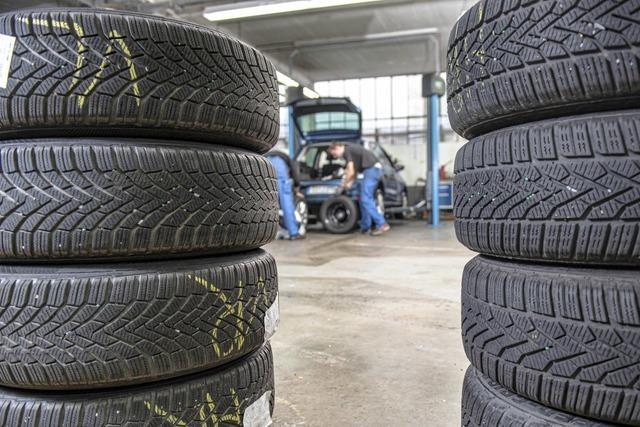 Winterreifen punkten nicht nur bei Schneeglätte: Warum das Reifenwechseln lohnt