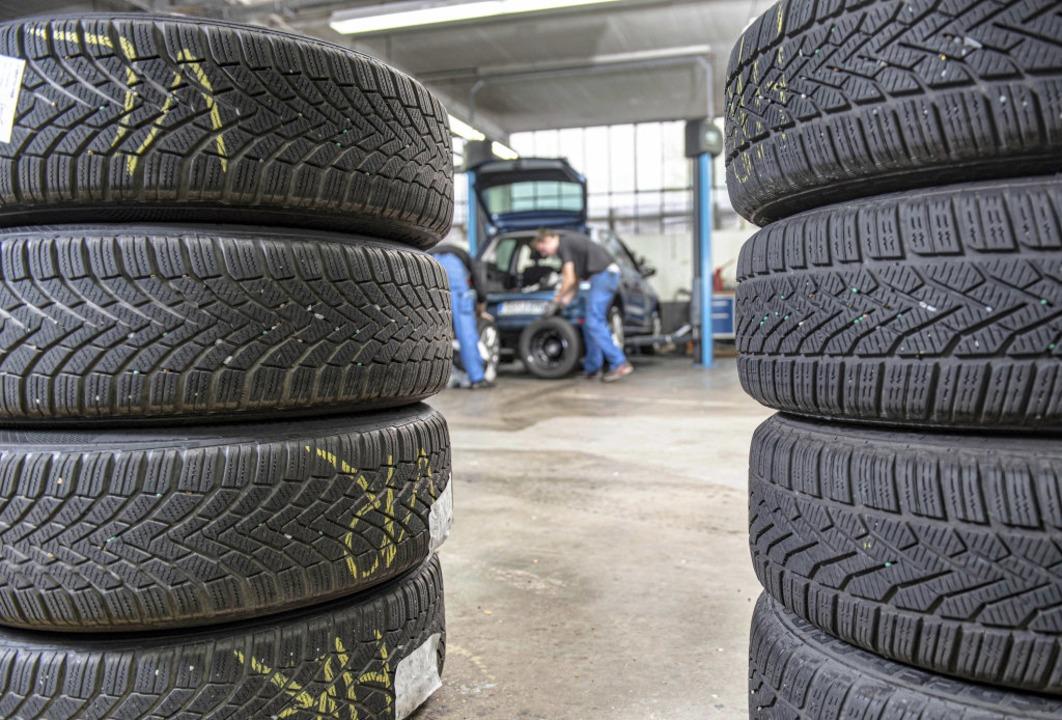 Es ist wieder Reifenwechselzeit.  | Foto: Hagen Lehmann Cobug (dpa)