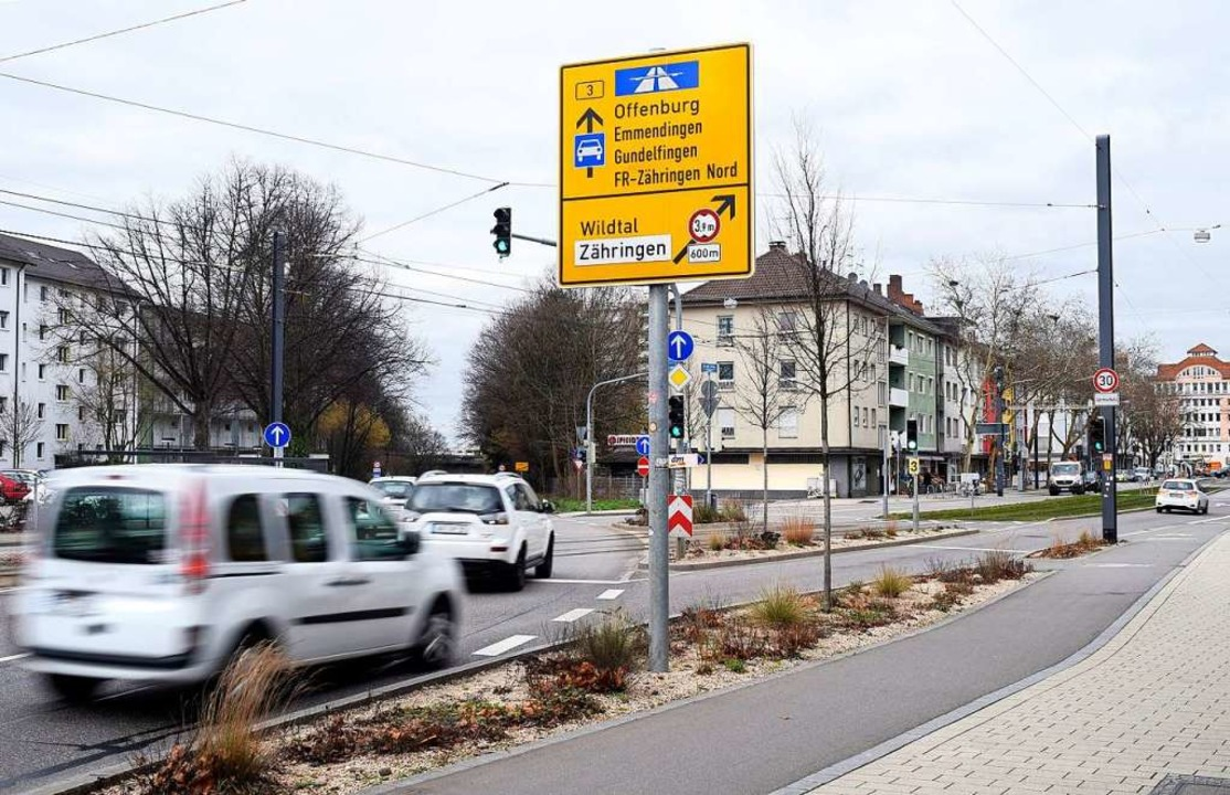 An der Kreuzung Zähringer Straße/Isfah...n der Polizei das Rotlicht missachtet.    Foto: Thomas Kunz