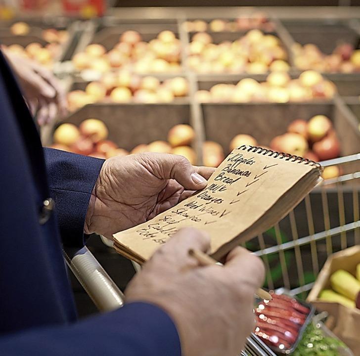 Der Einkaufsservice ist ein wichtiges Angebot des Vereins Bürger für Bürge.  | Foto: Seventyfour  (stock.adobe.com)