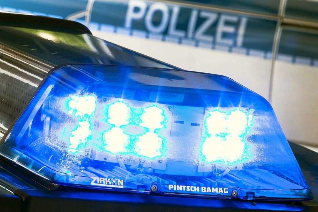 Die Polizei musste an der Grenze zu Frankreich die Verfolgung abbrechen.  | Foto: Friso Gentsch (dpa)