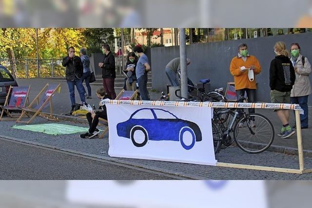 Klimabündnis besetzt Parkplätze