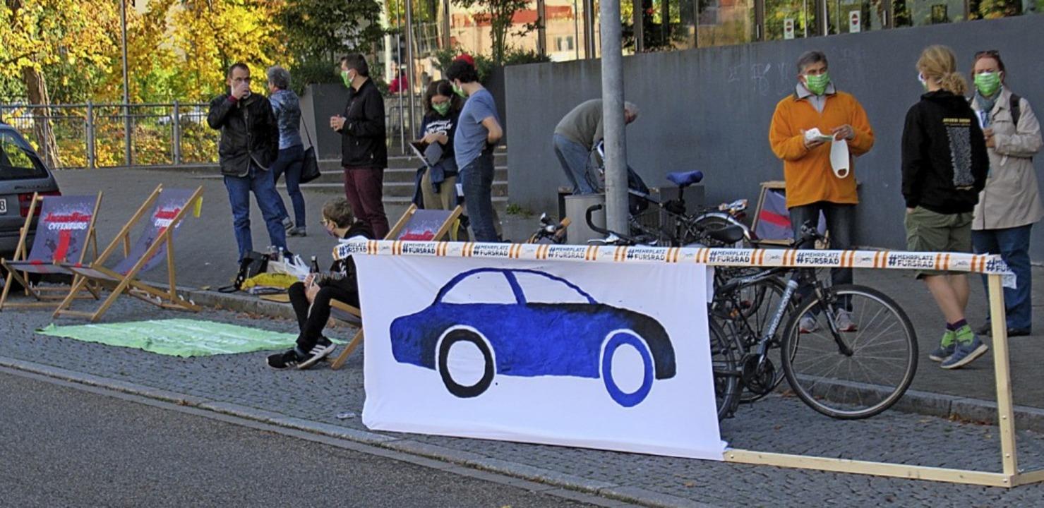 Protestaktion vor dem Forum-Kino     Foto: Susanne Kerkovius