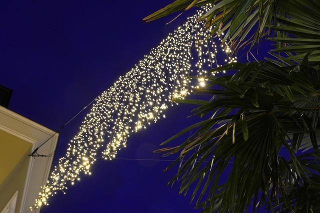 Die Weihnachtsbeleuchtung ist gesichert