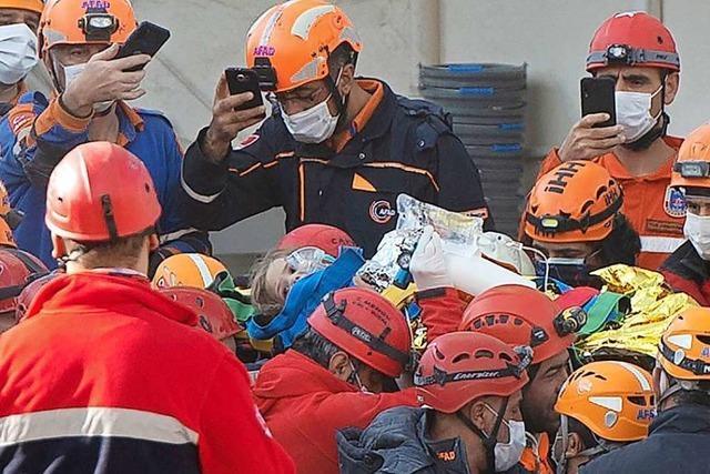 Mädchen 91 Stunden nach Erdbeben aus Trümmern gerettet