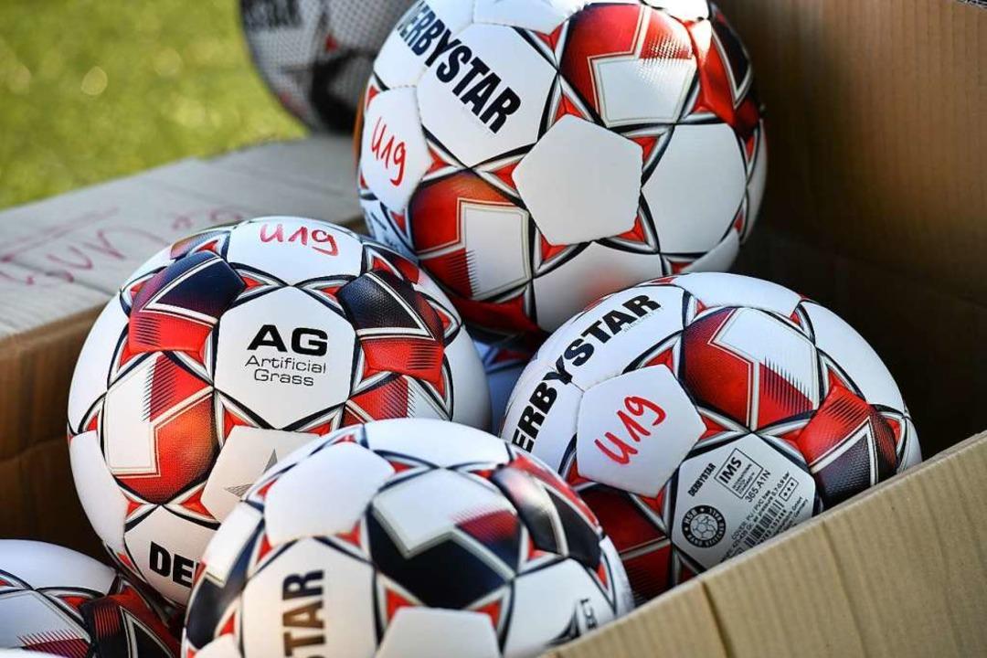 Ab in die Kiste: Auch bei den Regional...ndgültig der Spielbetrieb im November.  | Foto: Achim Keller