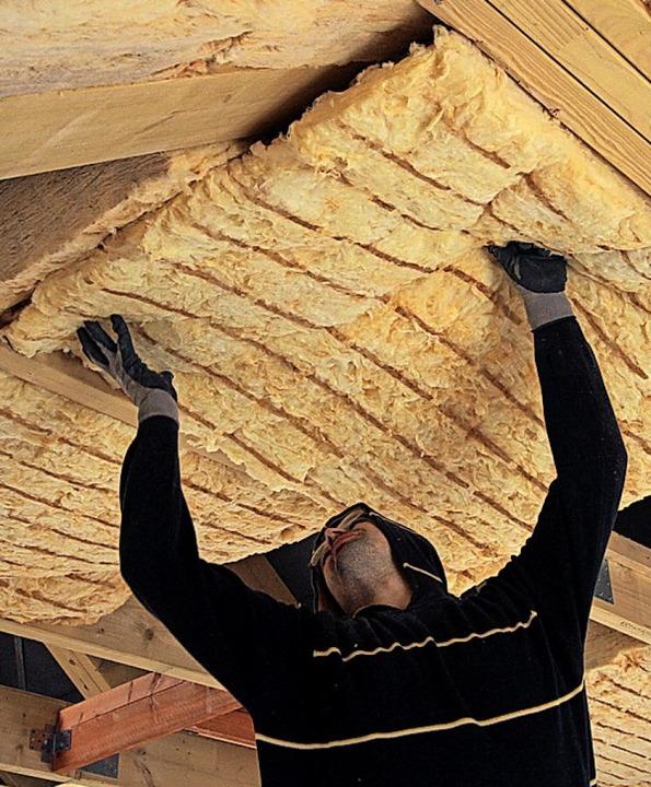 Die energetische Sanierung älterer Gebäude zahlt sich auch steuerlich aus.  | Foto: Nestor Bachmann