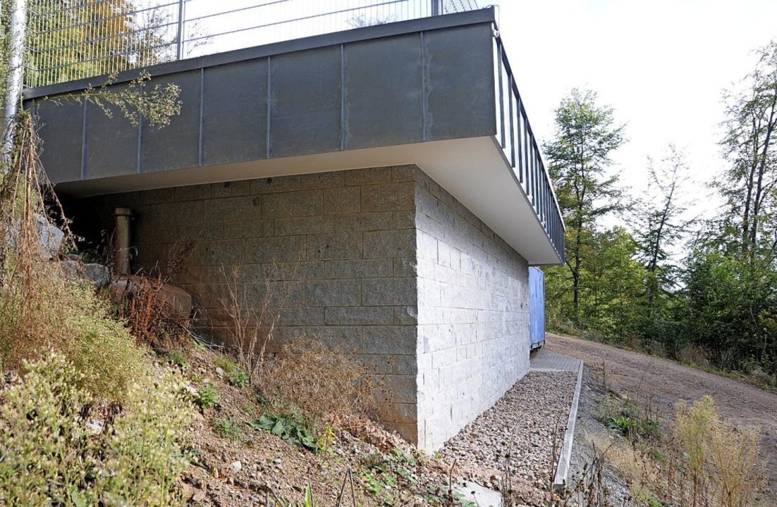 Bei der Erneuerung der Wasserversorgung Endenburg liegt Steinen im Plan.   | Foto: Robert Bergmann