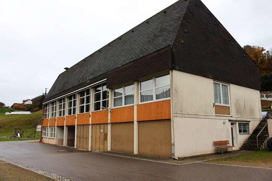 Für den Ersatz der  Halle werden im Frühjahr 2021 Förderzusagen erwartet.  | Foto: Martin Klabund