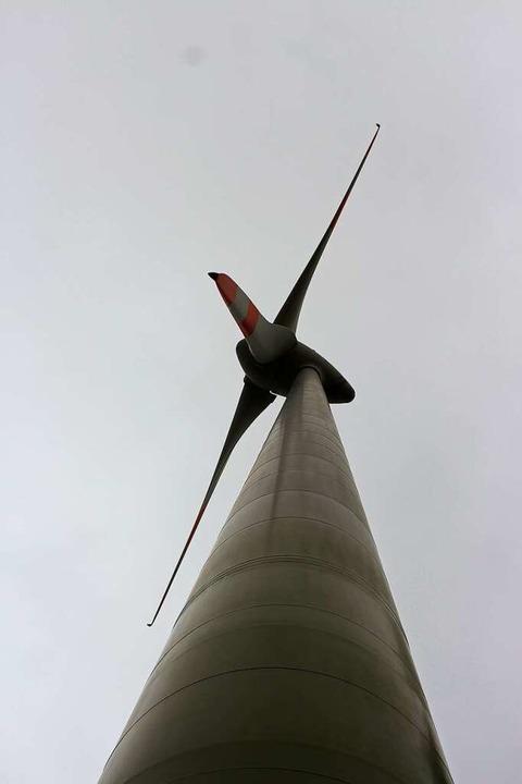 Das Windrad am Ittenschwander Horn war...Zeit das einzige im Landkreis Lörrach.  | Foto: Martin Klabund