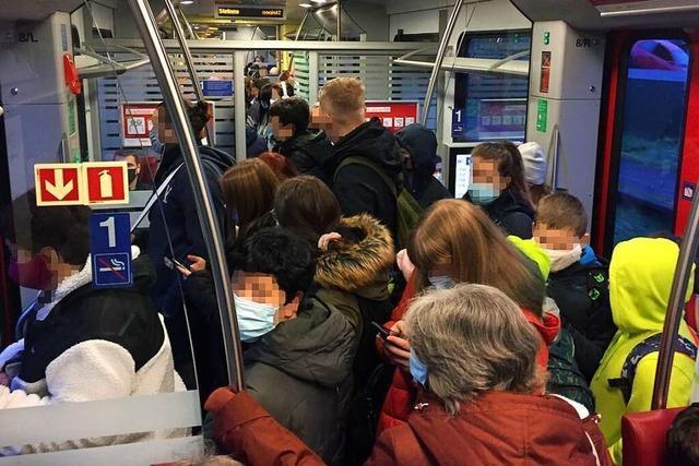 In den Regio S-Bahnen im Kreis Lörrach herrscht morgens riskante Enge