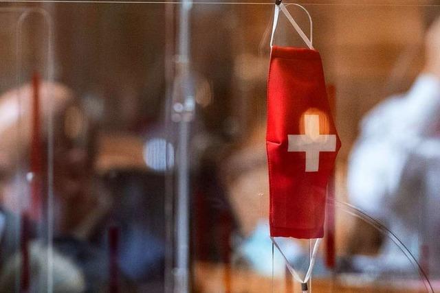 Explodierende Corona-Zahlen sind Belastungsprobe für Schweizer Gesundheitssystem
