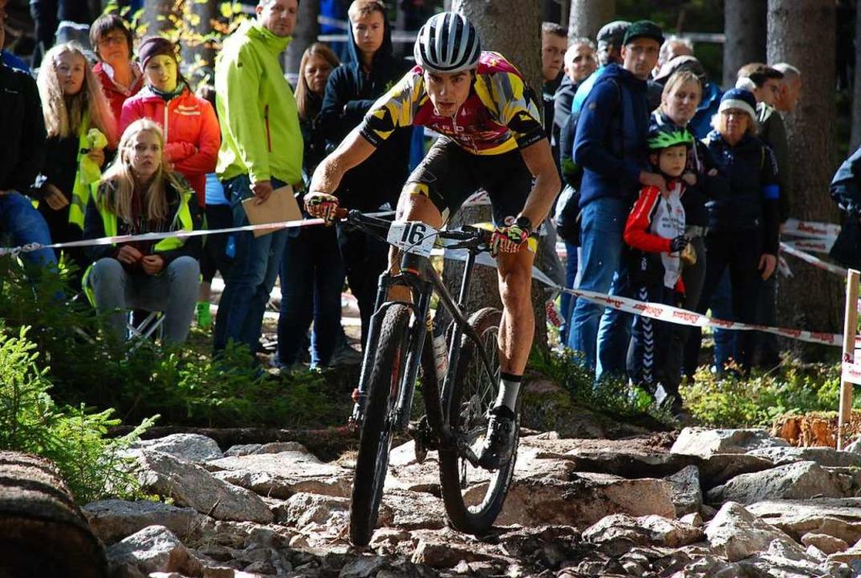 """Mountainbiker müssen eine Eier ...genen Corona-Kurzsaison demonstriert.     Foto: Ruoff"