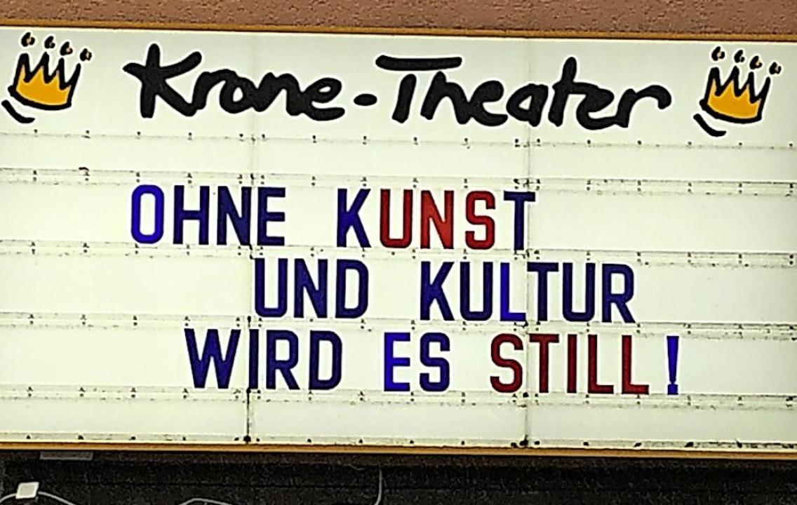 Die Kinotafel des Krone-Theaters in Neustadt    Foto: Tanja Bury