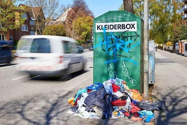 In den Altkleidercontainern landet immer mehr Müll
