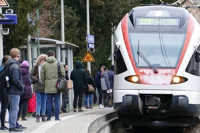 Volle S-Bahnen im Kreis Lörrach: Chance im Sommer wurde verpasst