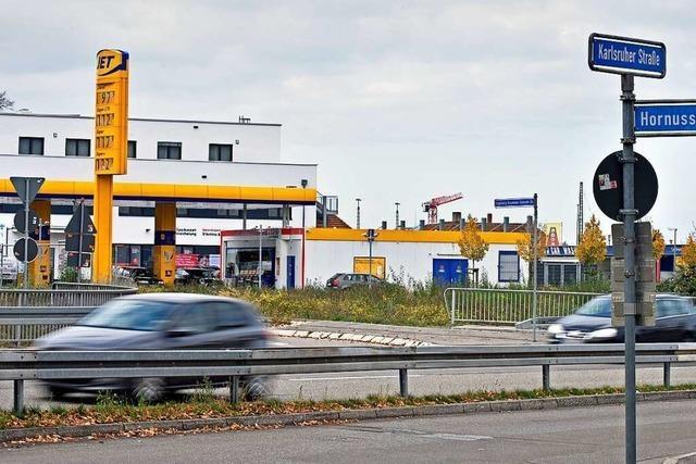 Ampel soll Leitplanken-Kletterei beim Freiburger Güterbahnhofsareal beenden