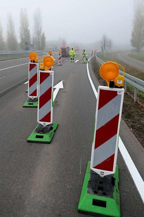 … und Baken sperren die Zufahrt ab...  | Foto: Hans-Peter Müller
