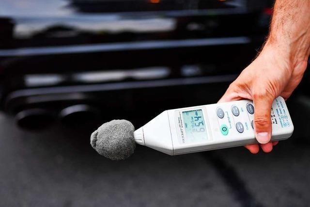 Audi S 8 wird in Freiburg-Haslach beschlagnahmt, weil er zu laut ist
