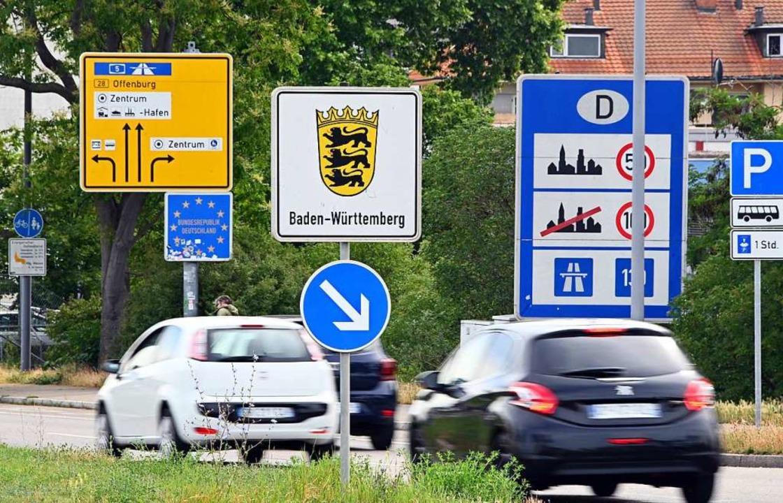 Auch für Reisende und Pendler ist die neue Verordnung wichtig.  | Foto: Uli Deck (dpa)