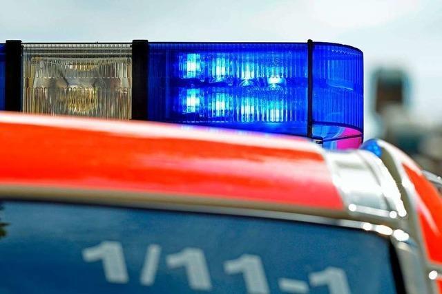 Feuerwehr löscht Wohnungsbrand in Freiburg-Weingarten