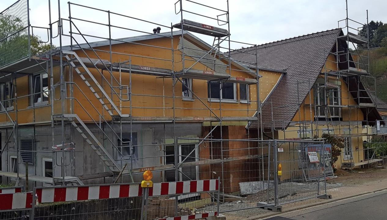 Die Seniorenresidenz Pfarrscheune in Schuttertal soll im Mai bezugsfertig sein.   | Foto: Beate Zehnle-Lehmann