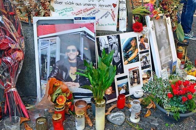 Viele Freunde trauern um den in der Freiburger Altstadt erstochenen Ali B.