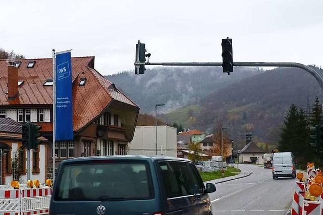 EWS lassen neue Fußgängerampel in Schönau bauen