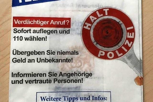 Polizei in der Ortenau warnt auf Bäckereitüten vor Telefonbetrug
